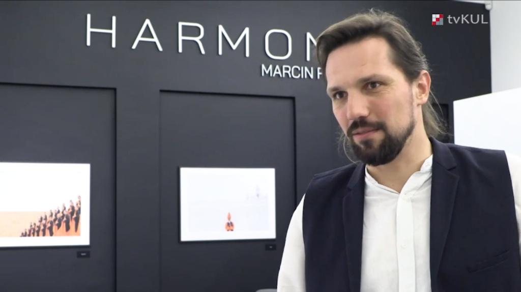 """Wystawa """"Harmony"""" Marcina Ryczka w Muzeum KUL"""